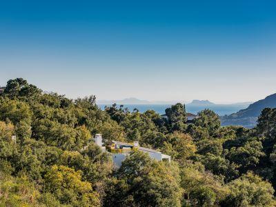 Superbe terrain avec vue panoramique sur la mer et le golf à La Zagaleta