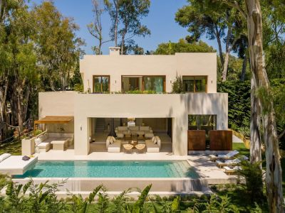 New modern luxury villa close to the beach in Los Monteros Marbella