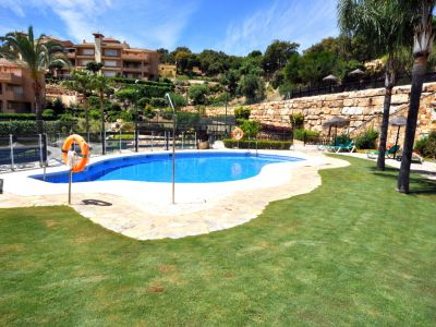 Great garden apartment with panoramic sea views