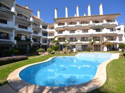 Modern apartment with private garden 50 meter from the beach in Las Chapas Marbella