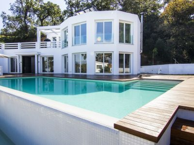 Family Villa with nice views in La Mairena, Marbella East