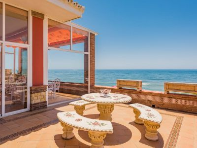 First line Beach villa in Cabopino, Marbella East