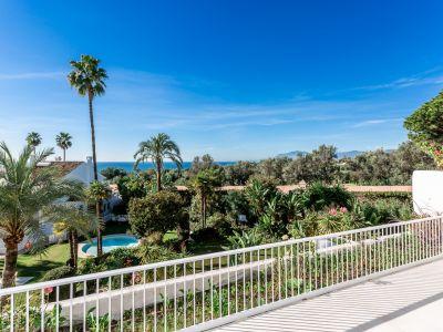 Appartement moderne avec vue sur la mer au Birdie Club, Rio Real Marbella.