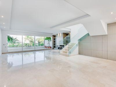 Modern duplex apartment in Birdie Club, Rio Real Marbella