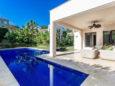 Villa moderna en Elviria, Marbella Este