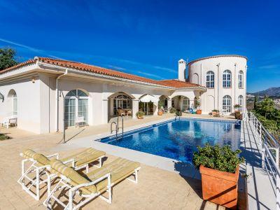 Villa en primera linea de golf con vistas panorámicas al Mediterráneo, La Alquería