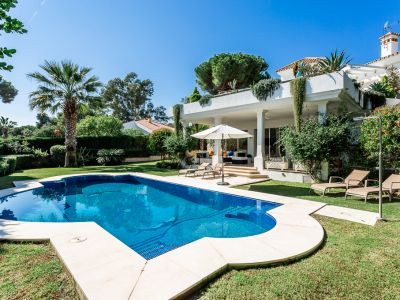 Modern villa 300 meters from the beach in Reserva de Los Monteros Marbella