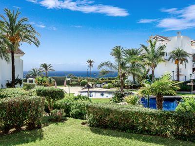 Appartement avec vue sur la mer dans le complexe balnéaire Palm Beach, Los Monteros.