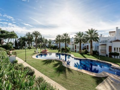 Apartment in Palm Beach, frontline beach complex in Los Monteros Marbella