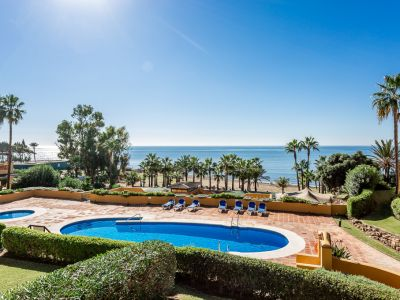 Spacious apartment in frontline beach complex in Rio Real Playa Marbella
