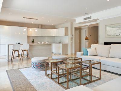 Luxurious duplex penthouse in Marbella Golden Mile