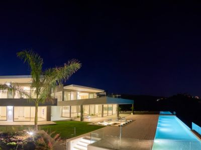 Front line golf contemporary villa with open views in Flamingos Golf