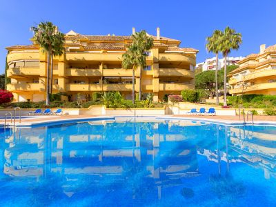 Magnifique appartement exposé au sud à vendre à Rio Real Golf Marbella
