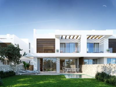 Luxury villas with sea views on the golf course of Cabopino