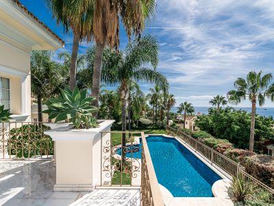 Stunning villa with spectacular sea views in Sierra Blanca