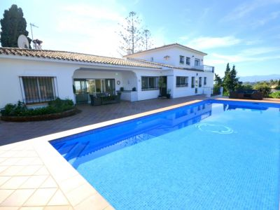 Marbella, Villa for sale in El Rosario with panoramic views to Africa
