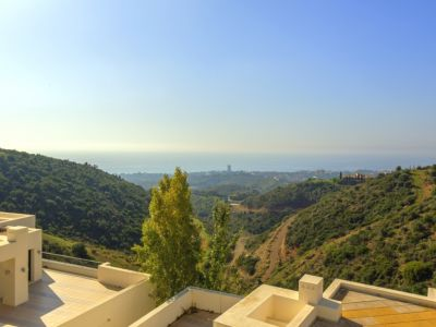 Apartamento en venta en Los Monteros, Marbella