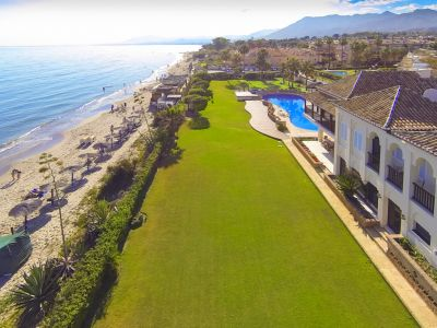 Fantastic frontline beach villa for sale in Las Chapas Playa Marbella