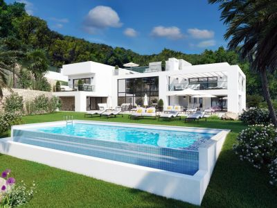Modern villa with views to the Mediterranean in Elviria, Marbella