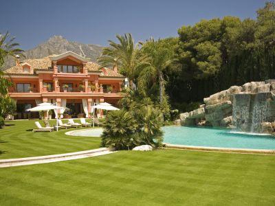Exclusive Beachfront Villa Marbella Golden Mile
