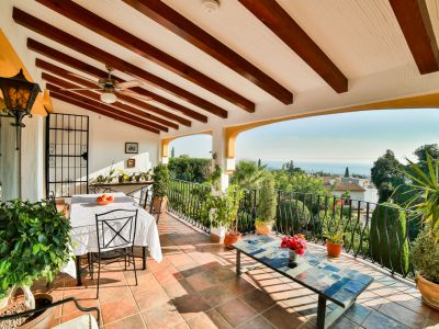 Einmalige Villa mit Meerblick zum Verkauf in El Rosario