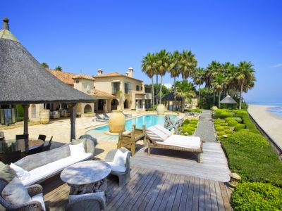 Frontline beach villa in Los Monteros