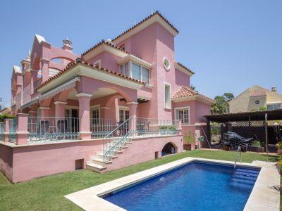 Beachside Villa with Beautiful Panoramic Views in Puerto Banus