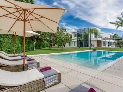 Spektakuläre Designer-Villa am Strand in Guadalmina