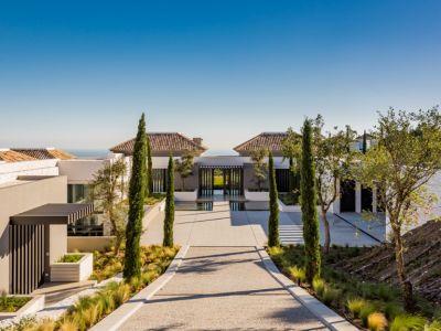 Spectacular new contemporary villa with sea views in La Zagaleta