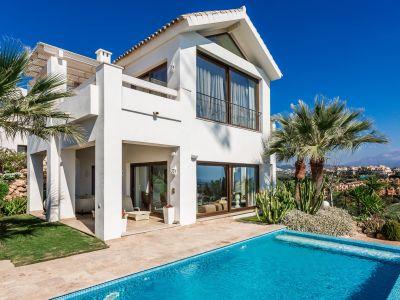 Villa moderna con vistas al mar en Paraíso, Benahavis