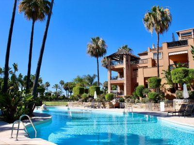 Frontline beach luxury apartment, San Pedro