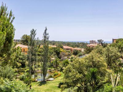 Apartment with sea views in Elviria, Marbella East