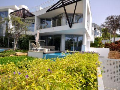 Modern villa with exceptional sea views in Sierra Blanca