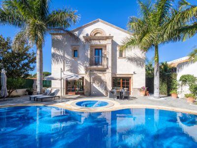 Außergewöhnliche Villa zum Verkauf in Los Monteros Playa Marbella