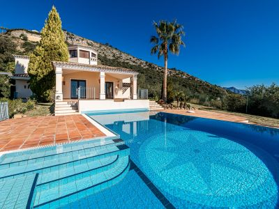 Villa with separate guest house in Marbella Club Golf Resort