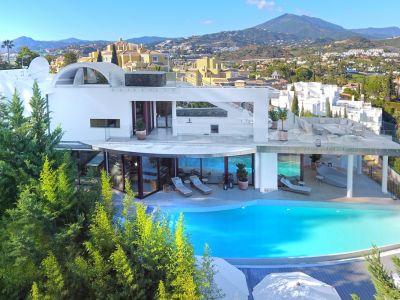 Contemporary villa with panoramic views, Nueva Andalucía