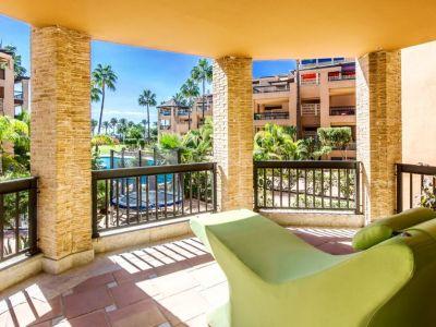 Duplexwohnung, Apartmentanlage am Strand