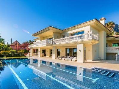 Impressive luxury villa with panoramic sea views in Sierra Blanca