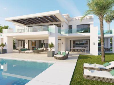 Villa en venta en Los Naranjos Nueva Andalucía