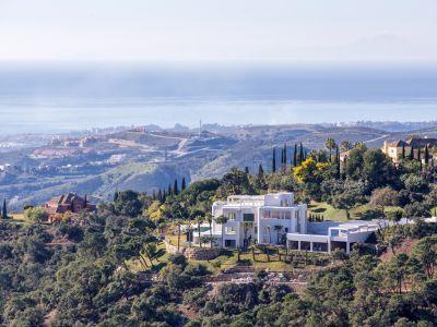 Villa de luxe contemporaine unique avec vue panoramique sur la mer à La Zagaleta