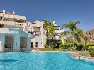 Spacious duplex corner penthouse with sea views in Lomas de la Quinta