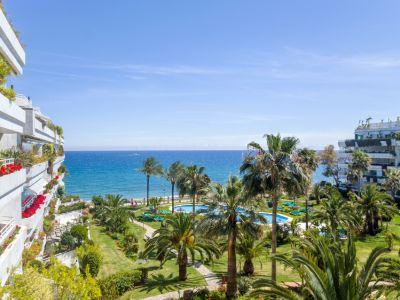 Breathtaking views from spacious apartment in Playa Esmeralda