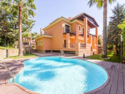 Villa familiar a 150 metros de la playa en Reserva de Los Monteros Marbella