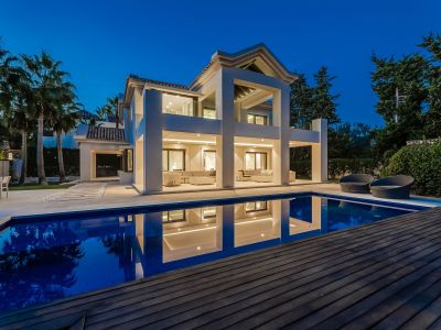 New Modern Luxurious Beachside Villa Torres de Marbella Club