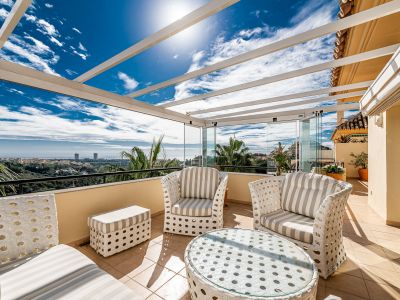 Marbella, Elviria, Penthouse for sale in Elviria Hills with great sea views