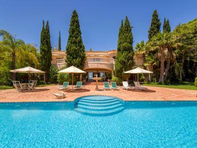 Spectaculaire villa de golf en première ligne avec vue sur la mer à La Quinta
