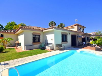Well priced villa for sale in Marbella within walking distance to the beach