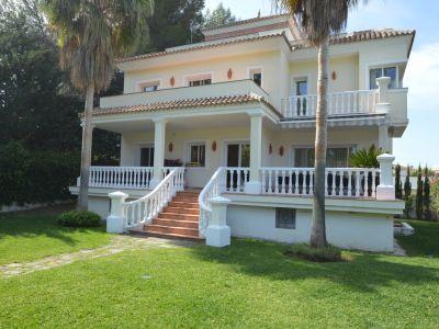 Moderne Villa in bester Lage Atalaya del Rio Verde