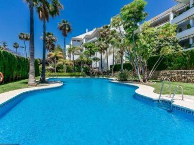 PRECIO REDUCIDO! Fantástico apartamento en Guadalmina baja a unos metros de la playa