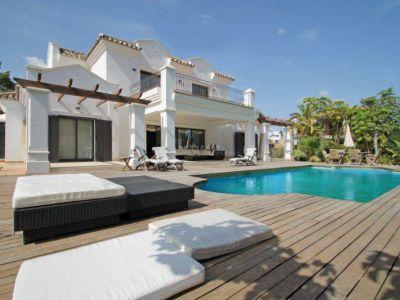Impresionante villa a con las máximas calidades en Altos de Puente Romano, Marbella